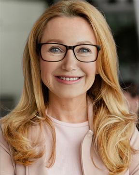 Margaret Davis - Founder and Head Writer of Infotech Resume